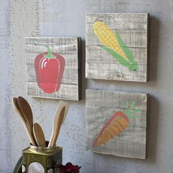 Set Of 3 Painted Veggies On Wooden Plaques