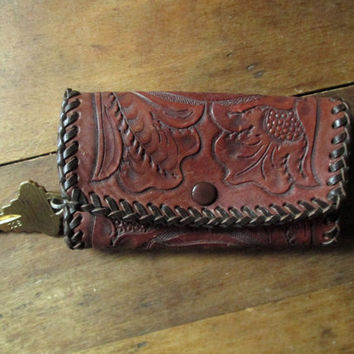 Tooled Leather Key Case Keeper, vintage 90s key wallet, key holder, rustic cabin, woodsy sportsman, unisex style, hand laced, men women MAT