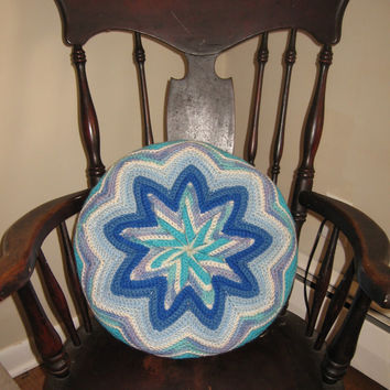 "Starburst Crochet Pillow Large 18"" Round vintage 60s Blue White Aqua Cottage Chic Ocean Sky Colors"