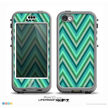 The Vibrant Green Sharp Chevron Pattern Skin for the iPhone 5c nüüd LifeProof Case