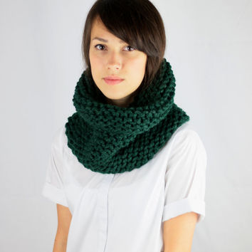Hand Knit Cowl Scarf Womens Circle Scarf Snood Fall Winter Scarf Hunter Green