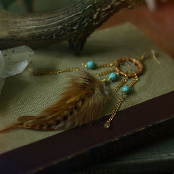 seeker // single gold dreamcatcher earring with feathers