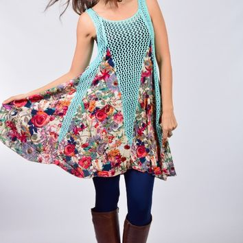 Selfie Couture by Trendology Sky Blue Crochet and Floral Sleeveless Tunic