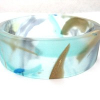 Sea blue resin bangle bracelet jewellery with gold by TopazTurtle