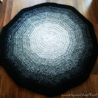 Large Crochet Round Area Rug in Ombre Grey Shades- black and white, Cottage Chic Rug, Shabby Chic Rug, Oversized rug, home decor- floor mat