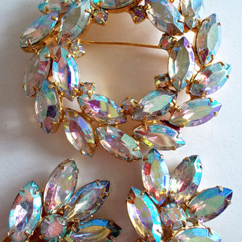 Pastel Aurora Borealis Rhinestone Brooch Earring Set, Wreath, Juliana?, Vintage