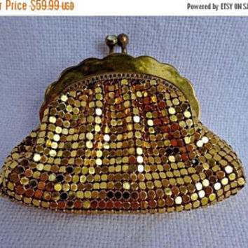 ON SALE Whiting & Davis Silver Metal Mesh Handbag - 1940's Collectible Designer Signed Purse - High End Vintage Bag