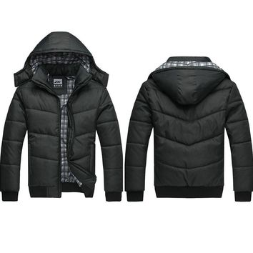 2017 Winter Coat Men Quilted Black Puffer Jacket Warm Fashion Male Overcoat Parka Outwear Polyester Padded Hooded Coat