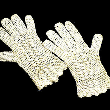 Art Deco Crochet Gloves, Beige Bridal Gloves 1920s Costume, Victorian Revival, Flapper Costume, Downton Abbey Style