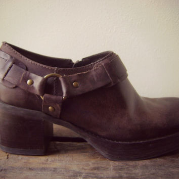 90s chunky heel harness ankle booties vintage 1990s MIA grunge boots size 9 hippie boho ankle boots riding boots revival moto boots western