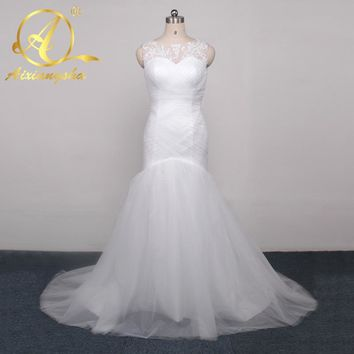 Trumpet Tulle Mermaid Wedding Dresses Applique Beaded O neckline Bridal Gown Wedding Dress Custom-made Sweep Train Wedding Gowns