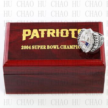 Year 2004 New England Patriots Super Bowl Championship Ring 10-13Size TOM BRADY Fans Gift With High Quality Wooden Box