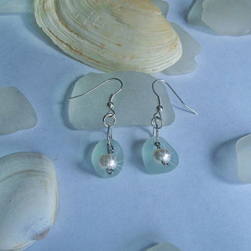 Sea glass earrings. Aqua dangle earrings. Beach glass jewelry