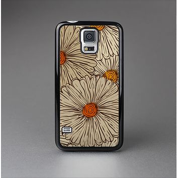 The Tan & Orange Tipped Flowers Pattern Skin-Sert Case for the Samsung Galaxy S5