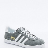 adidas Originals Gazelle Grey Trainers - Urban Outfitters