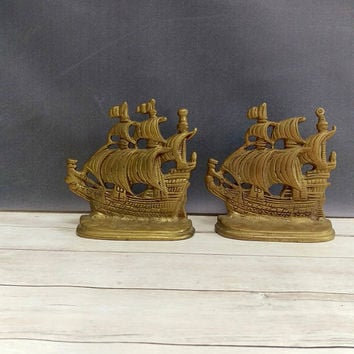 Vintage brass ship bookends/ Pair of vintage bookends/Nautical Decor/ library decor/ office decor/ brass sail boat/ brass book ends