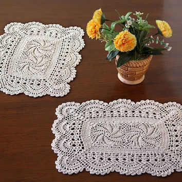 Oroshi Crochet Placemats- HANDMADE CROCHET PLACEMAT - Set 4 Placemats - Scallop Design- Table Decor- Cotton - White and Natural Color -