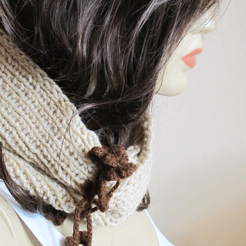 Chunky Hand Knit Infinity Scarf - beige scarf, Cowl, hand knit, winter cowl, womens Accessory, Knitted beige scarf, Womens Cowl, scarf