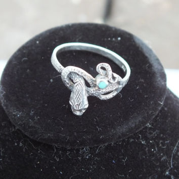 Curling Snake With Small Turquoise Stone, Size 6 3/4, Silver 925, Sharp looking Ring