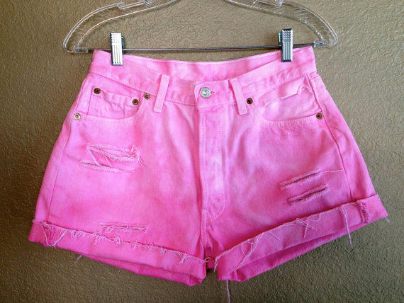 Vintage Pink Ombre High Waisted Levi's Shorts (Medium)