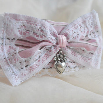 Olde pink - steampunk kawaii cute neko lolita kitten pet play collar with heart pendant - pink beige and white