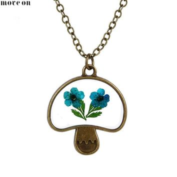 Plant Specimens Mushroom Small Daisy Necklace Dry Flower Beauty and Beast Floral Necklaces Choker Chain Collar Pendant Jewelry