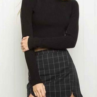 Curved Slim Plaid Skirt