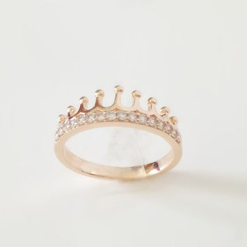Beautiful Crown Shape Gold Rings