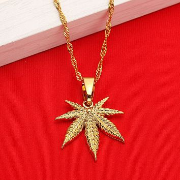18K Small Cute Hip Hop Gold Plated Men Fashion Plant Cannabis Weed Marijuana Leaf Pendant Necklace
