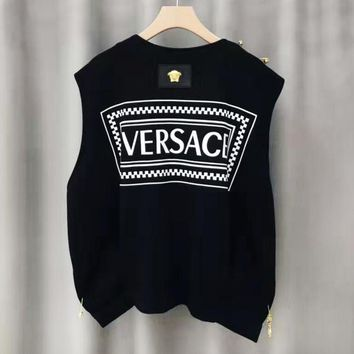 Versace casual men's and women's waistcoats are hot sellers with gold brooches and printed waistcoats on the back