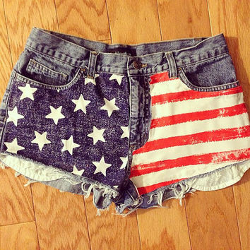 The Americana Shorts (high-waisted, distressed)