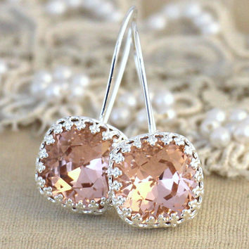Silver Blush pink drop earrings, Swarovski earrings - Wedding jewelry, Bridal blush pink earrings, Gift for woman, Silver Crystal earrings.