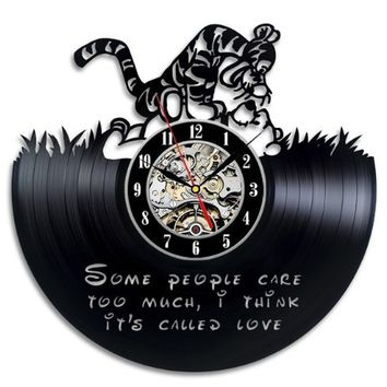 Winnie the Pooh Gift Wall Clock Vinyl Record Art Decor Retro (Color: Black)