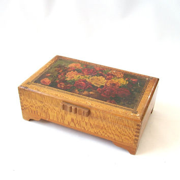 vintage wood box red roses storage container jewelry box trinkets flowers floral decorative home decor mid century retro antique old square
