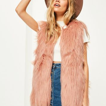 Missguided - Pink Curly Faux Fur Gilet