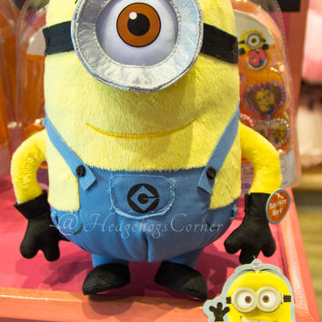 """Authentic Despicable Me Giggling & Laughing Plush Stuart Minion Mayhem 10"""" NEW"""