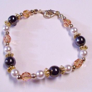 White and Black Glass Pearl Bead Bracelet with Pink and Silver Accent