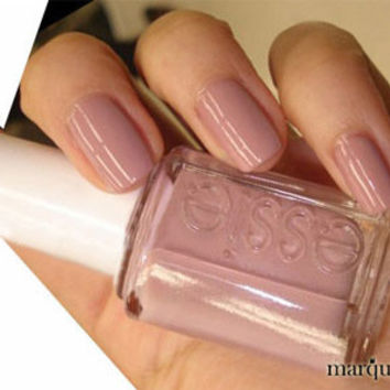 Essie Nail Polish (E764-Lady Like) NEW SOFT LIGHT PINK COLOR
