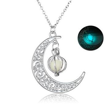 Pendant Necklace Glow In the dark Moon