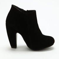 BLACK CHUNKY HEEL BOOTIES