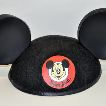 1970s Mickey Mouse Hat. Vintage Walt Disney Collectible. Disneyland Souvenir. Mouseketeers Mouse Ears Hat.