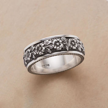 Roped Wreath Ring