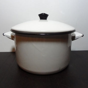 Vintage Black and White Enamelware Stock Pot - Cookware/Kitchenware