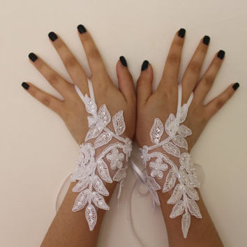 White Wedding Gloves, Gothic Lace PartyGloves, Bridal Gloves Fingerless Gloves Costume French Lace