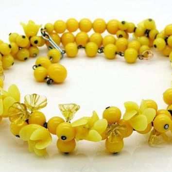 Yellow Glass Flower Beaded Necklace