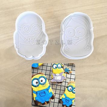 2 pcs/lot Minions Shape Plastic Cookie Cutters Cartoon Series Pastry Tools Cake Decorating Plunger Tools Biscuit Mold SLP157