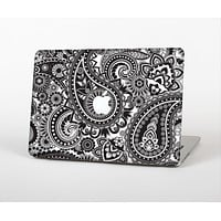 "The Black and White Paisley Pattern V6 Skin Set for the Apple MacBook Pro 15"" with Retina Display"