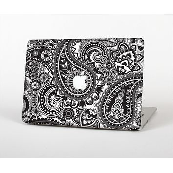 The Black and White Paisley Pattern V6 Skin for the Apple MacBook Pro Retina 13""