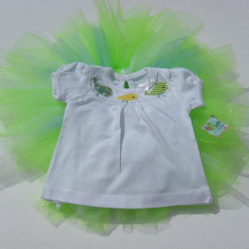 Baby girl white t shirt applique birds and lime green, turquoise and white glitter tutu 0-3 months