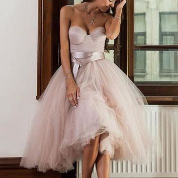 Sweetheart Tulle Tea-Length Homecoming dress